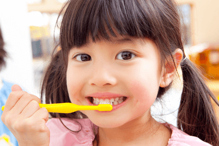 私の子供は寝るときに歯を磨くので